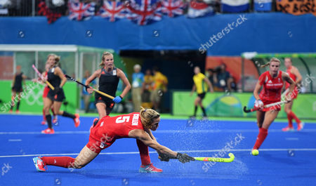 Crista Cullen Of Team Gb Scores 2-2 In The Hockey Final Gb V Netherlands At The Rio Olympics Brazil.