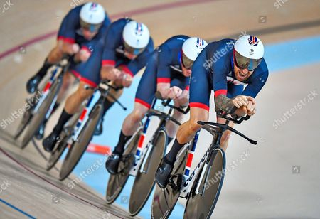 Team Gb Men's Team Pursuit Qualifying Lead By Sir Bradley Wiggins Edward Clancy Steven Burke And Owain Doull At The Rio Olympics Brazil. N