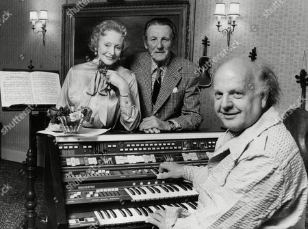 Husband & Wife Singers Anne Ziegler And Webster Booth Near Their Home In Conway North Wales. Rehearsing With Them Is Jess Yates (front). Box 721 306121642 A.jpg.