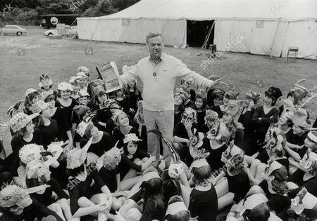 Newsreader Reginald Bosanquet With Children In The Benjamin Britten Opera Cast. Box 722 90712162 A.jpg.