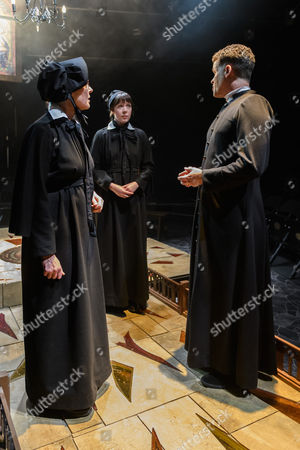 Stella Gonet (Sister Aloysius), Clare Latham (Sister James), Jonathan Chambers (Father Brendan Flynn)