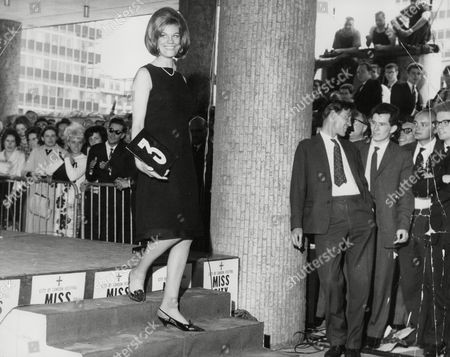 Editorial picture of Miss City 1964 Mrs Angela Bray. Box 725 313121640 A.jpg.