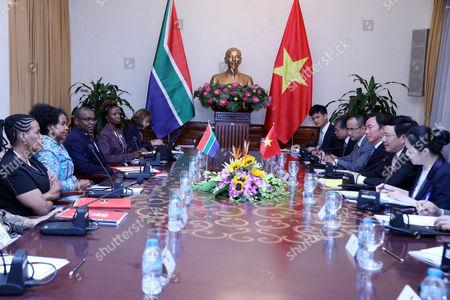 Maite Nkoana Mashabane and Pham Binh Minh