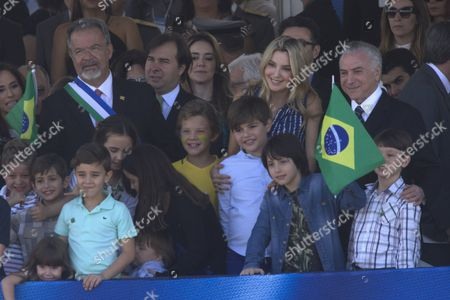 Brazilian President Michel Temer (R) with the First Lady Marcela Temer (2-R) and their son Michelzinho (2-R front) enjoy a parade to commemorate the 195th anniversary of the Independence in Brasilia, Brazil, 07 September 2017. President Michel Temer presided over the the Independence Day celebrations.