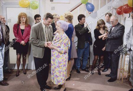 Roy Barraclough (as Alec Gilroy), Beverley Callard (as Liz McDonald), Michael Le Vell (as Kevin Webster), Philip Middlemiss (as Des Barnes), Sarah Lancashire (as Raquel Wolstenhulme), Jill Summers (as Phyllis Pearce) Sue Nicholls (as Audrey Roberts), Sean Wilson (as Martin Platt), Helen Worth (as Gail Platt), Kevin Kennedy (as Curly Watts) and Ken Morley (as Reg Holdsworth)