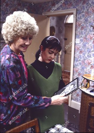 Elizabeth Dawn (as Vera Duckworth) and Caroline Milmoe (as Lisa Duckworth)