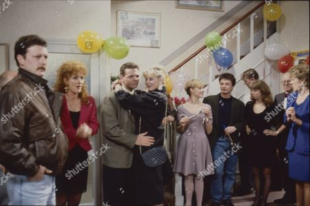 Charles Lawson (as Jim McDonald), Beverley Callard (as Liz McDonald), Philip Middlemiss (as Des Barnes), Sarah Lancashire (as Raquel Wolstenhulme), Sally Dynevor (as Sally Webster), Sean Wilson (as Martin Platt), Kevin Kennedy (as Curly Watts), Helen Worth (as Gail Platt), Ken Morley (as Reg Holdsworth) and Sue Nicholls (as Audrey Roberts)