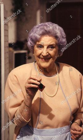 Jill Summers (as Phyllis Pearce)