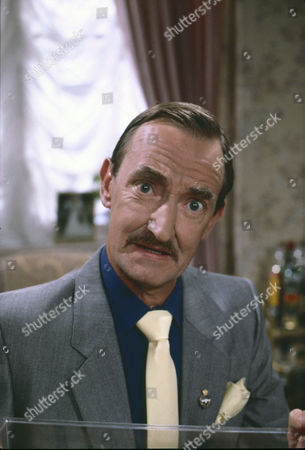 Keith Clifford (as Harry Norton)