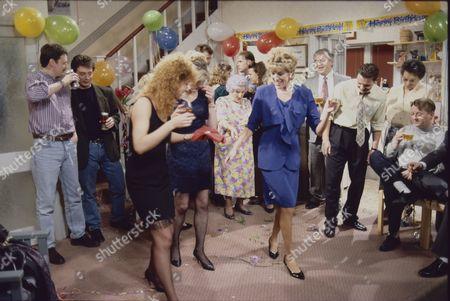 Charles Lawson (as Jim McDonald), Sean Wilson (as Martin Platt), Beverley Callard (as Liz McDonald), Sarah Lancashire (as Raquel Wolstenhulme), Jill Summers (as Phyllis Pearce), Sue Nicholls (as Audrey Roberts), Peter Baldwin (as Derek Wilton), Philip Middlemiss (as Des Barnes), Betty Driver (as Betty Turpin) and Kevin Kennedy (as Curly Watts)