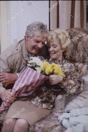 Geoff Hinsliff (as Don Brennan) and Lynne Perrie (as Ivy Brennan)