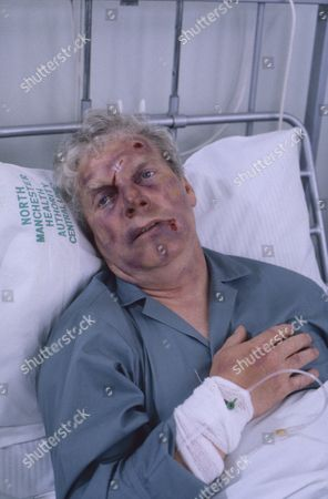 Geoff Hinsliff (as Don Brennan)