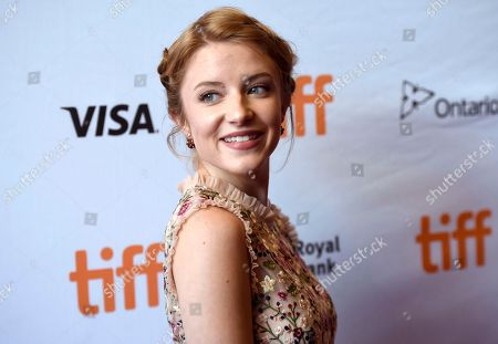 """Samantha Isler attends a premiere for """"Molly's Game"""" on day 2 of the Toronto International Film Festival at the Elgin Theatre, in Toronto"""