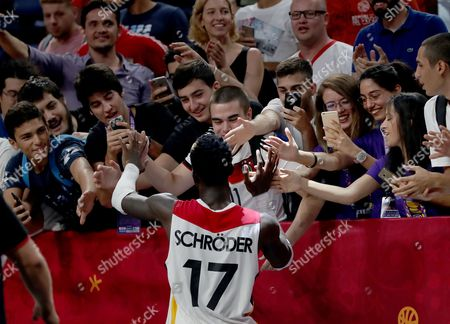 Germany's Dennis Schroder (C) reacts with fans after winning the EuroBasket 2017 round of top 16 match between Germany and France, in Istanbul, Turkey 09 September 2017.