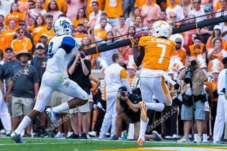 Brandon Johnson #7 of the Tennessee Volunteers catches a touchdown pass while Lonnie Walker II #2 of the Indiana State Sycamores tries to defend during the NCAA Football game between the University of Tennessee Volunteers and the Indiana State Sycamores at Neyland Stadium in Knoxville, TN Tim Gangloff/CSM