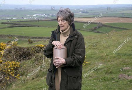 (SR8: Ep2) - Dame Eileen Atkins as Ruth Ellingham.