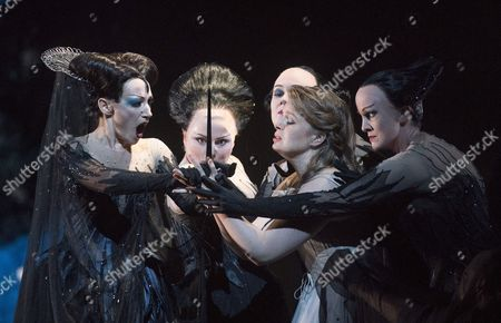 Sabine Devieilhe as Queen of the Night, Siobhan Stagg as Pamina, Rebecca Evans, Angela Simkin, Susan Platts