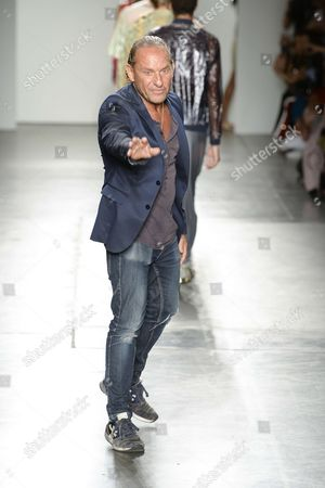 Custo Dalmau on the catwalk