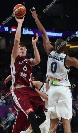 Slovenia's Anthony Randolph (R) in action against Latvia's Kristaps Porzingis (L) during the EuroBasket 2017 Quarter Final match between Slovenia and Latvia, in Istanbul, Turkey 12 September 2017.