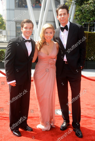 LOS ANGELES, CA - SEPTEMBER 10: (L-R) Nathan Kress, Jennette McCurdy, and Jerry Trainor attends the Academy of Television Arts & Sciences 2011 Primetime Creative Arts Emmy Awards at the Nokia Theater L.A. Live on in Los Angeles, California
