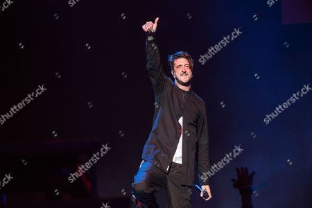 Austin Carlile of Of Mice & Men performs at the 2016 Journeys AP Music Awards at Value City Arena at the Jerome Schottenstein Center, in Columbus, Ohio