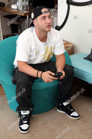 Nick Hogan visits the Xbox 360 and Children's Miracle Network Gaming and Giving for Good (G3) Miracle Lounge on in West Hollywood, Calif