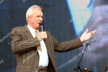 Mel Tillis performs at the Oklahoma Twister Relief Concert at the Gaylord Family-Oklahoma Memorial Stadium on in Norman, Okla