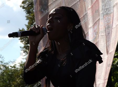 """Dawn Richards performs at Shannon Brown's Wood-Star Music Festival """"Soul in the City"""" on Saturday August, 19, 2012, at Union Park in Chicago, Illinois"""