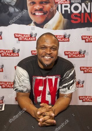 IronE Singleton appears at the Walker Stalker convention, at the Donald E. Stephens Center in Rosemont, IL