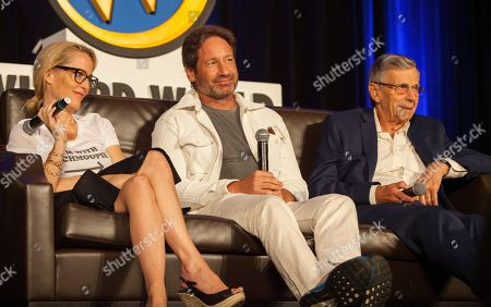 Gillian Anderson, David Duchovny and William B. Davis during Wizard World Chicago Comic-Con at the Donald E. Stephens Convention Center, in Chicago