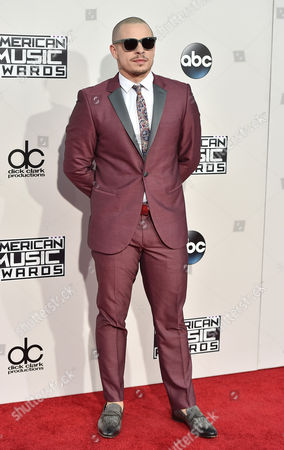 Beau Casper Smart arrives at the American Music Awards at the Microsoft Theater, in Los Angeles
