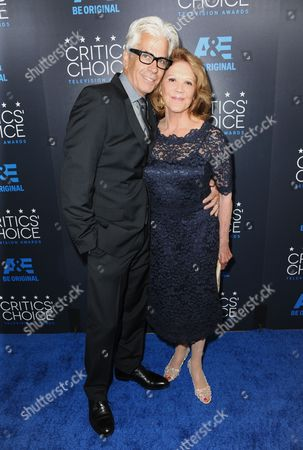 Steve Bakunas, left, and Linda Lavin arrive at the Critics' Choice Television Awards at the Beverly Hilton hotel, in Beverly Hills, Calif