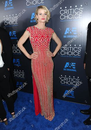 Joelle Carter arrives at the Critics' Choice Television Awards at the Beverly Hilton hotel, in Beverly Hills, Calif
