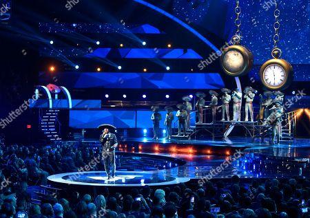 "Espinoza Paz performs ""Perdi La Pose"" at the 16th annual Latin Grammy Awards at the MGM Grand Garden Arena, in Las Vegas"
