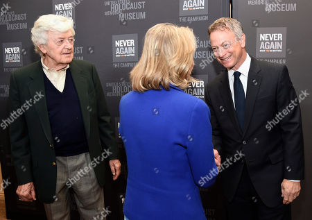 Hal Holbrook, from left, Doris Kearns Goodwin and Gary Sinise arrive at the Los Angeles Dinner : What You Do Matters at the Beverly Hilton Hotel, in Beverly Hills, Calif