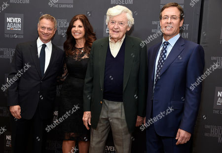 Gary Sinise, from left, Sheryl Pressberg, Hal Holbrook and Ken Pressberg arrive at the Los Angeles Dinner : What You Do Matters at the Beverly Hilton Hotel, in Beverly Hills, Calif