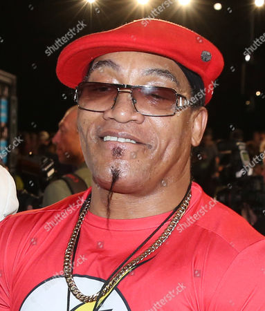 Melle Mel arrives at the MTV Video Music Awards at the Microsoft Theater, in Los Angeles