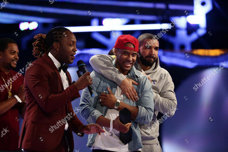 Tyrone Edwards, P. Reign, and Drake seen at the 2015 Much Music Video Awards at the Much Music HQ, in Toronto, Canada