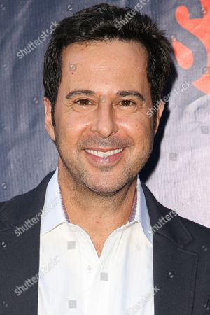 Jonathan Silverman arrives at the Summer TCA CBS, CW, Showtime Party at Pacific Design Center, in West Hollywood, Calif