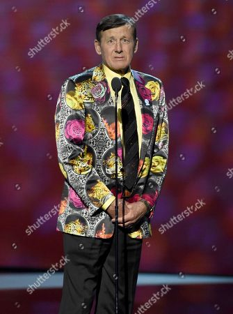 Craig Sager accepts the Jimmy V award for perseverance at the ESPY Awards at the Microsoft Theater, in Los Angeles