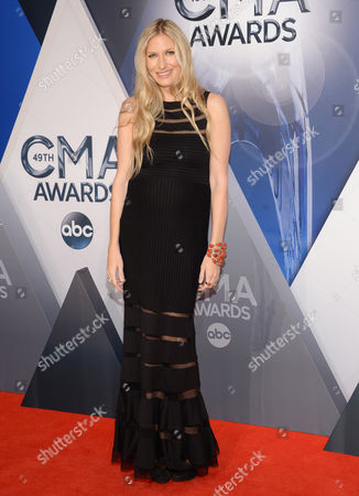 Holly Williams arrives at the 49th annual CMA Awards at the Bridgestone Arena, in Nashville, Tenn