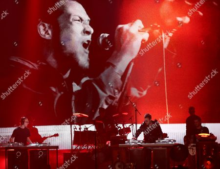 Eric Church performs Record Year at the 51st annual Academy of Country Music Awards at the MGM Grand Garden Arena, in Las Vegas. Pictured onscreen is the late Scott Weiland of Stone Temple Pilots