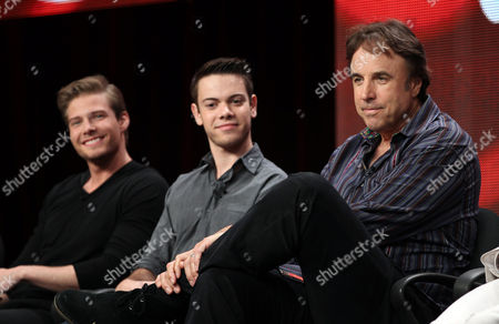 "Stock Image of Actors Kevin Nealon, right, Alexander Gould, center, and Hunter Parrish, from the television show ""Weeds"", are seen during the CW Showtime TCA Panels, in Beverly Hills, Calif"