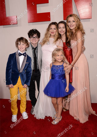 """From left, Kyle Red Silverstein, Braxton Beckham, Drew Barrymore, Alyvia Alyn Lind, Emma Fuhrmann, and Bella Thorne arrive at the LA Premiere of """"Blended"""" at the TCL Chinese Theatre, in Los Angeles"""