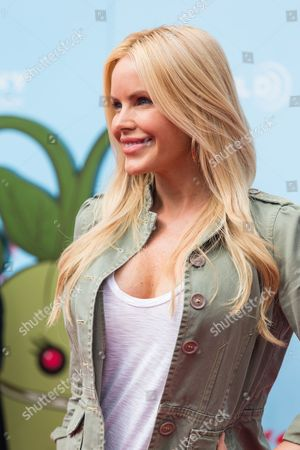 """Actress Gena Lee Nolin arrives at the premiere of """"Cloudy with a Chance of Meatballs 2"""" at the Regency Village Theatre on in Los Angeles"""