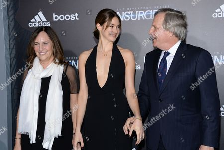 """Producer Lucy Fisher, Shailene Woodley, and producer Douglas Wick attend the premiere of """"The Divergent Series: Insurgent"""" at the Ziegfeld Theatre, in New York"""