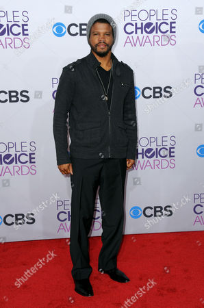 Sharif Atkins arrives at the People's Choice Awards at the Nokia Theatre, in Los Angeles