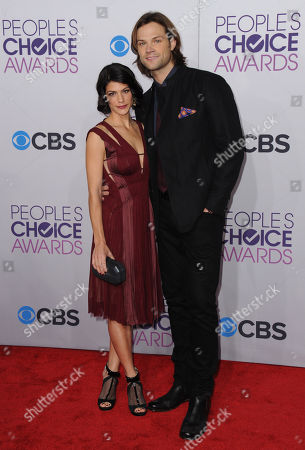 Jared Padalecki, right, and Genevieve Padalecki arrive at the Peopleâ?™s Choice Awards at the Nokia Theatre, in Los Angeles