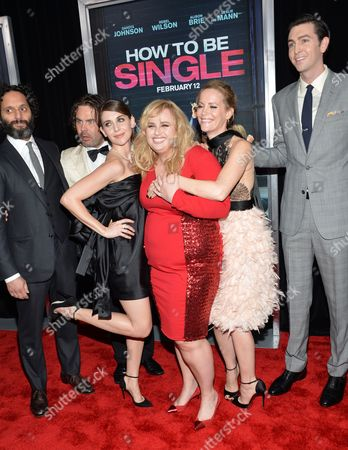 """Jason Mantzoukas, from left, Mickey Gooch Jr., Alison Brie, Rebel Wilson, Leslie Mann and Nicholas Braun attend the world premiere of """"How To Be Single"""" at the NYU Skirball Center of Performing Arts, in New York"""