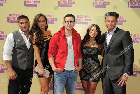 """Cast members from MTV's """"Jersey Shore,"""" from left, Ronnie Ortiz-Magro, Samantha Giancola, Vinny Guadagnino, Deena Nicole Cortese and Paul DelVecchio arrive at the MTV Video Music Awards, in Los Angeles"""